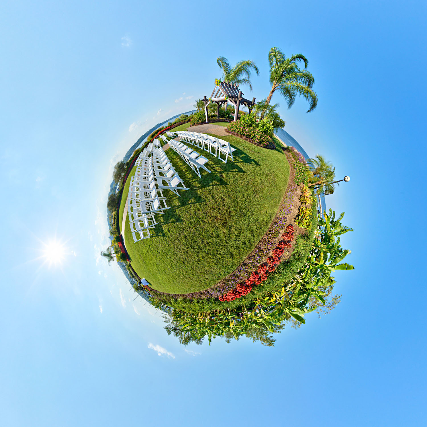 AV_120922_2206-HDR Panorama Planet small_web.jpg